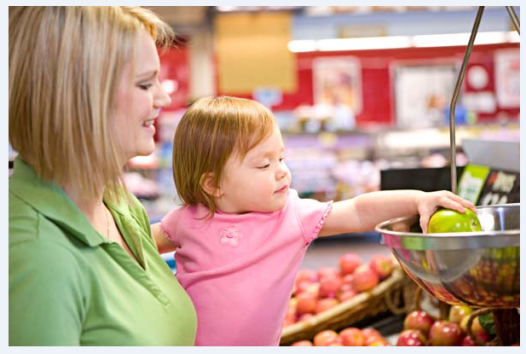 image of mother and daughter at grocery store